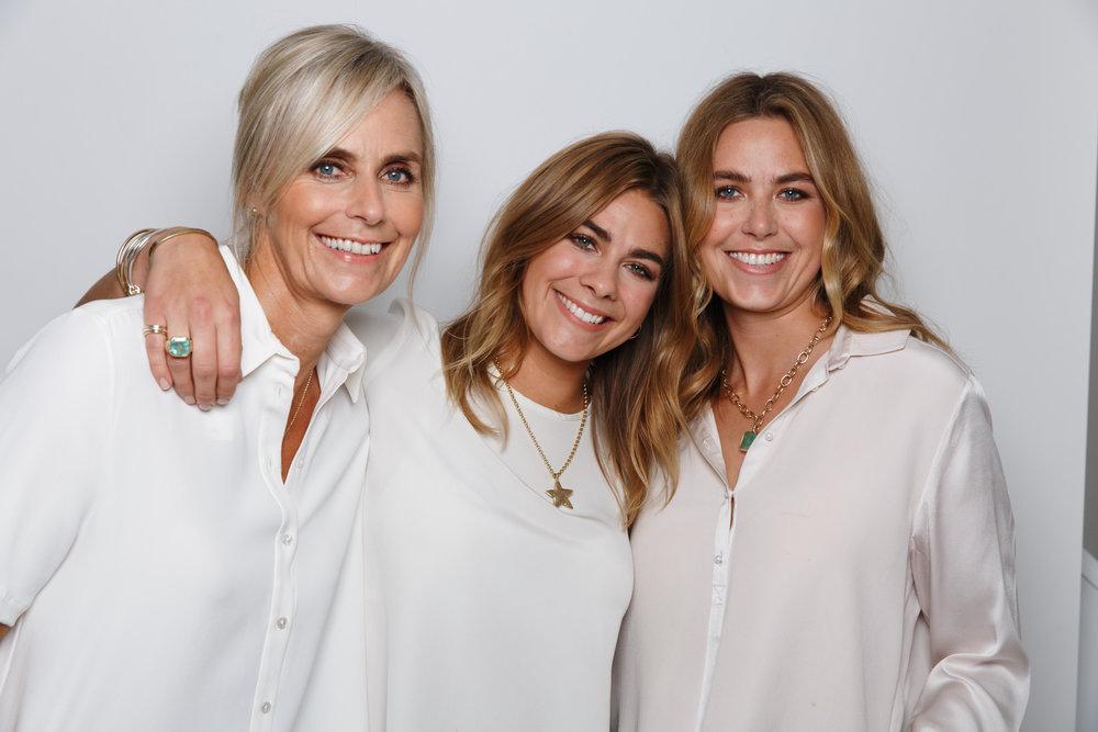 Daniella with mother Della & sister Holly