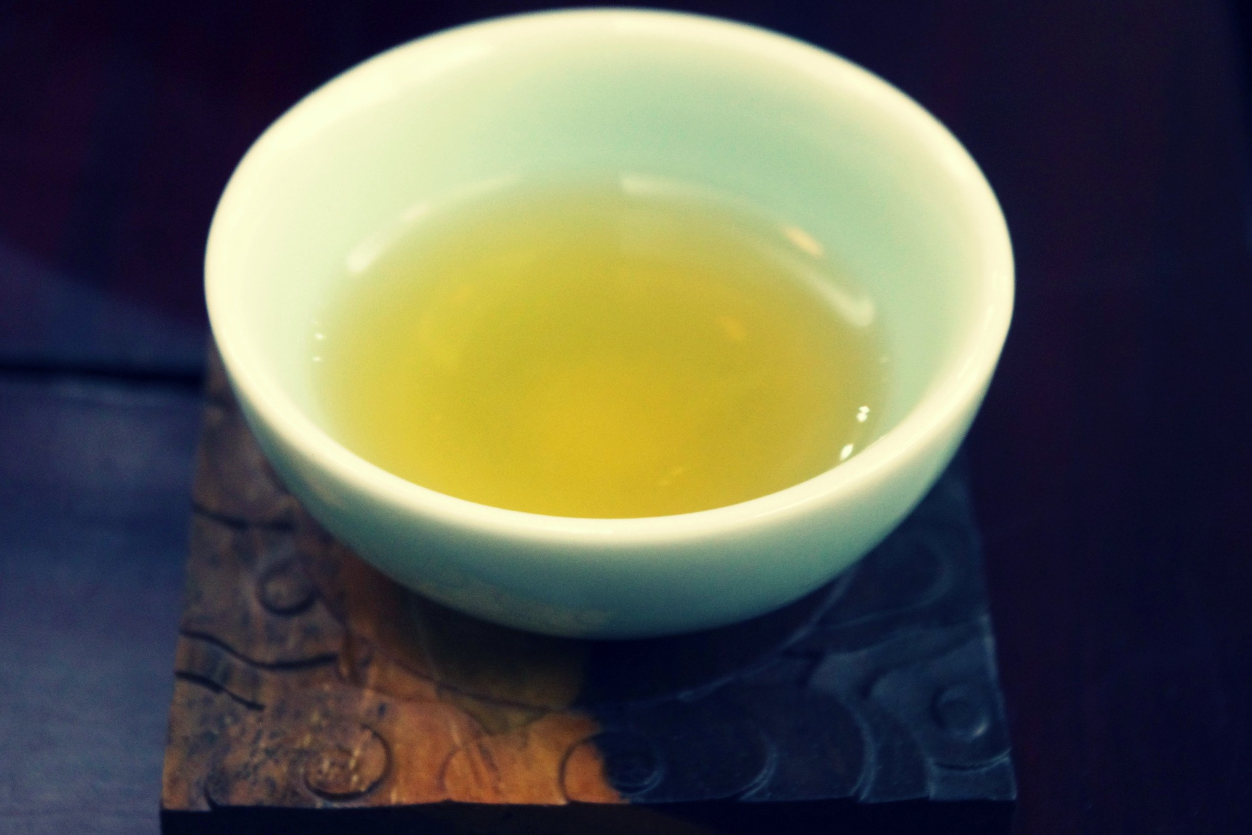 oolong in celadon cup