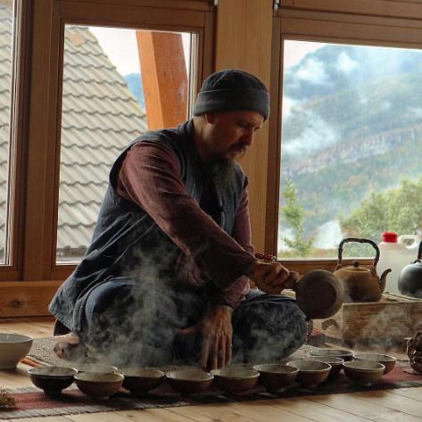Zen-Tea-Retreat-with-Wu-De-Casa-Cuadrau-Global-Tea-Hut