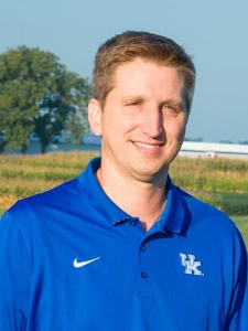 Dr. Chad Lee University of Kentucky 423 Plant Science Building Lexington, KY 40546-0312 +1.859.257.3203  cdlee2@uky.edu  Twitter:  @KentuckyCrops