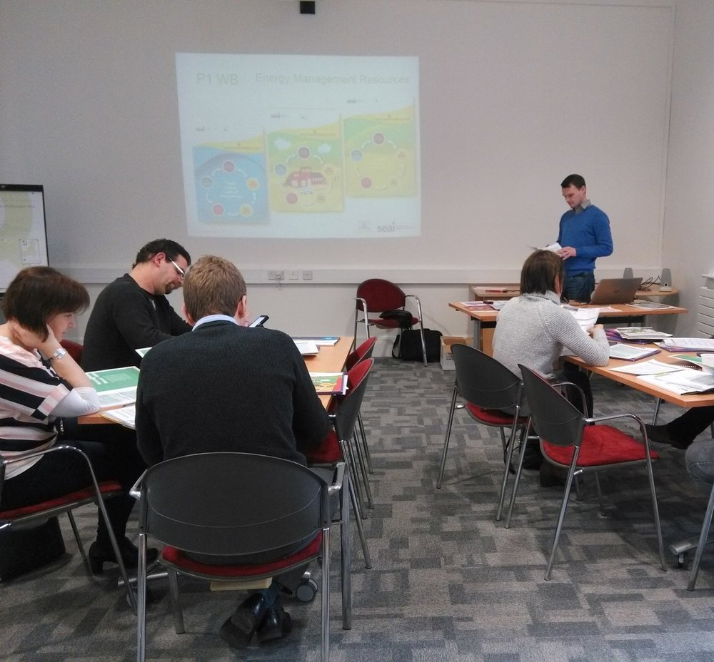Green-Energy-Solutions-staff-training-energy-education.jpg