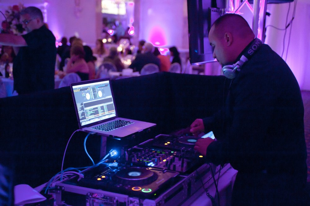 mj_chicago_wedding_dj.jpg