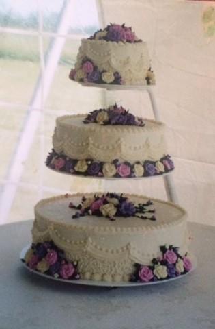 tiered_wedding_cake.jpg