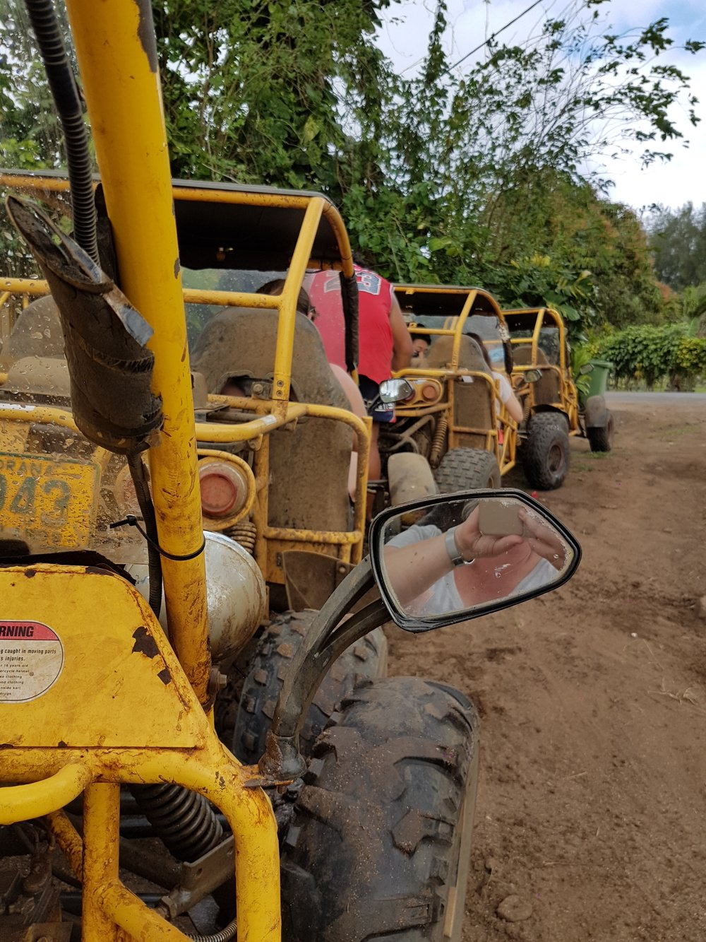 Before the mud with Raro Buggy Tours