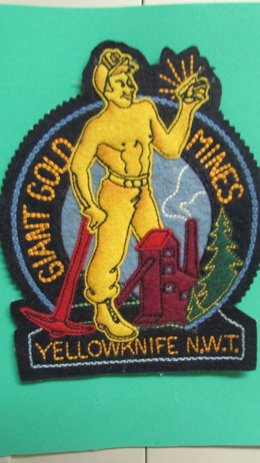GiantBadge1.JPG