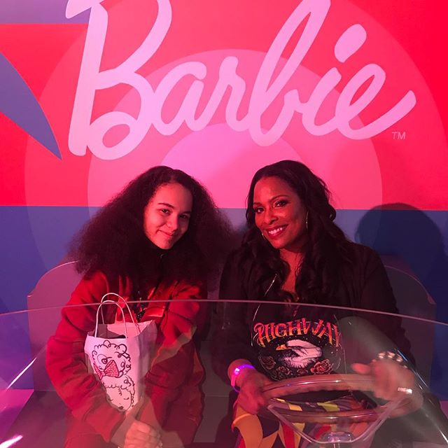 Thanks🙏🏽Big Sis @djspinderella for the Week of my life❤️You're an Incredible human being🌹not to mention DJ🔥Your Surprises☺️and Generosity🎁have touched me deeply. It's an honor beyond my dreams to have you in my life😉🙌🏽🙌🏽🙌🏽 @barbie 60th Anniversary @sunnytheagent #internationalwomensday #barbie #blackgirlmagic #blackexcellence #dmc2018nycchamp🏆 #girl #dj #scratchvision #ranedj #nyc #ladiesofhiphop #love #lootmusicgroup