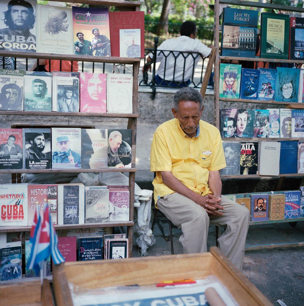 0001-cuba-travelphotography-19-Cuba-Portra-400-9.jpg