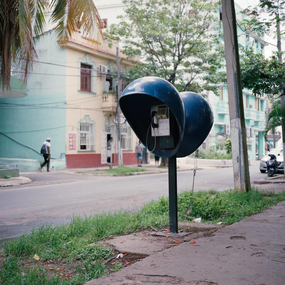 0001-cuba-travelphotography-22-Cuba-Portra-400-7.jpg