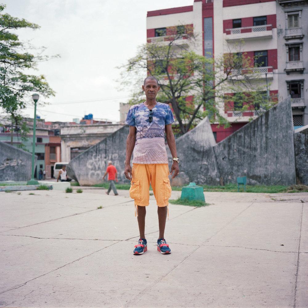 0001-cuba-travelphotography-22-Cuba-Portra-400-9.jpg