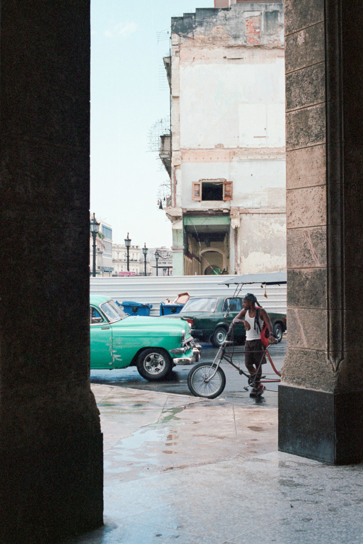 0001-cuba-travelphotography-11-cuba-portra-400-28.jpg