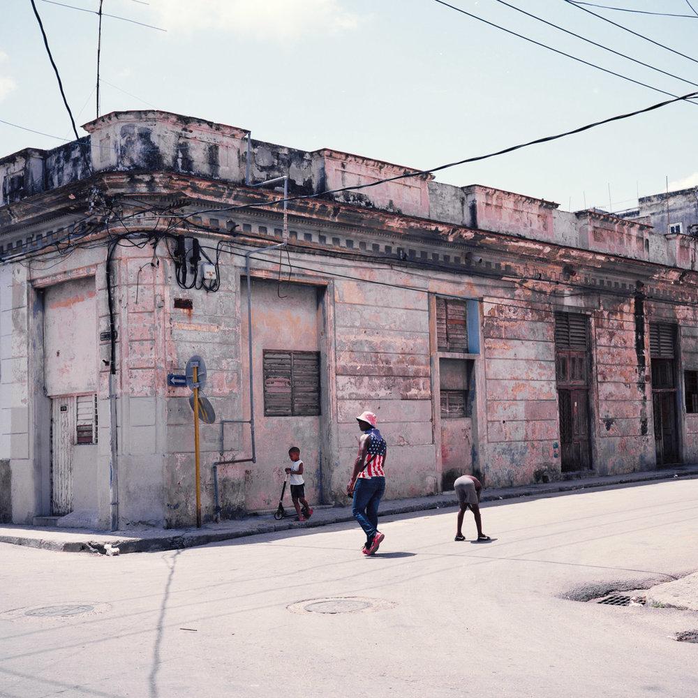 0001-cuba-travelphotography-28-Cuba-Ektar-100-11-1.jpg