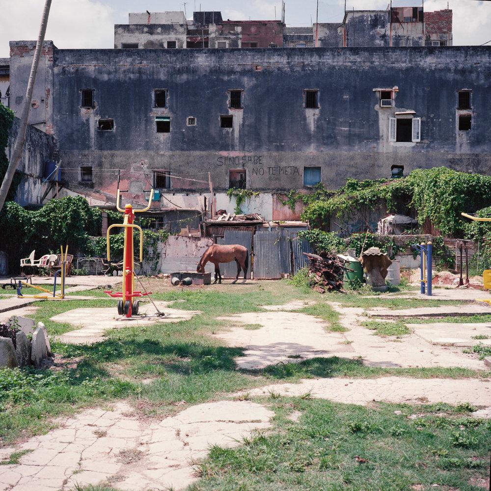 0001-cuba-travelphotography-28-Cuba-Ektar-100-10.jpg