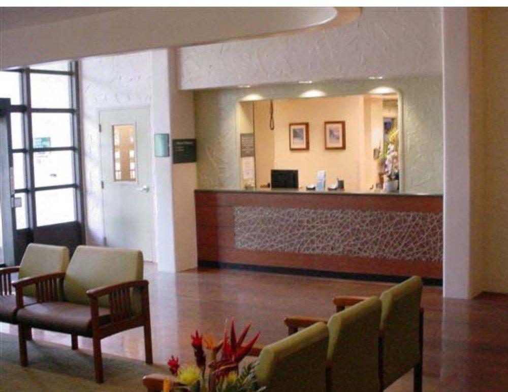 Straub Hospital Strode Lobby