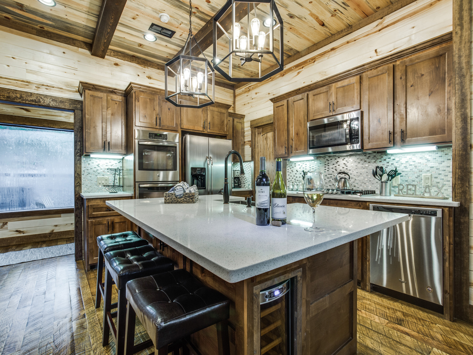 RML-kitchenbar1-940.jpg