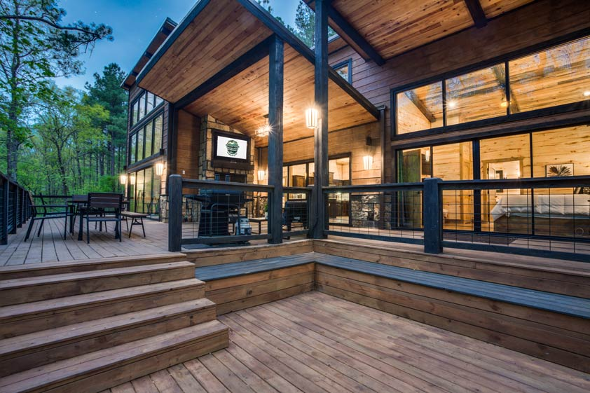 Rustic Hollow Cabin | Outdoor Entertaining