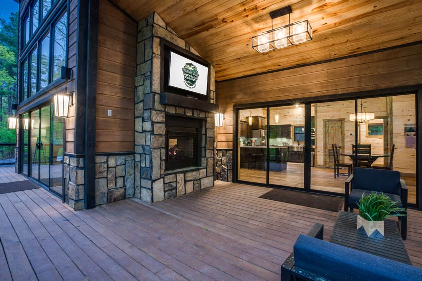 Rustic Hollow Cabin | Outdoor Living Space