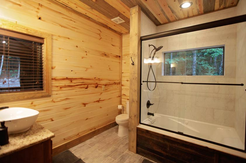 Rustic Retreat | Bathroom #2
