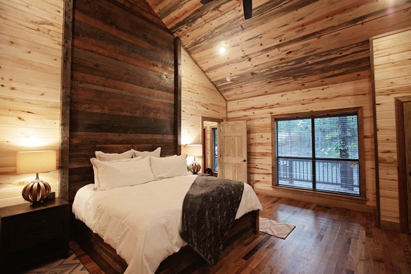 Rustic Retreat | King Bedroom Master Suite #1