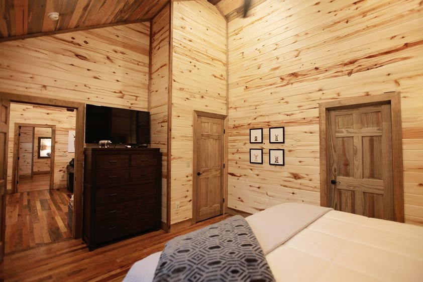 Rustic Retreat | King Bedroom Master Suite #2