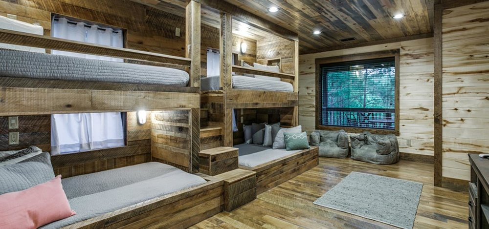 Rustic Mt Lodge | Custom Built In Bunks with USB ports