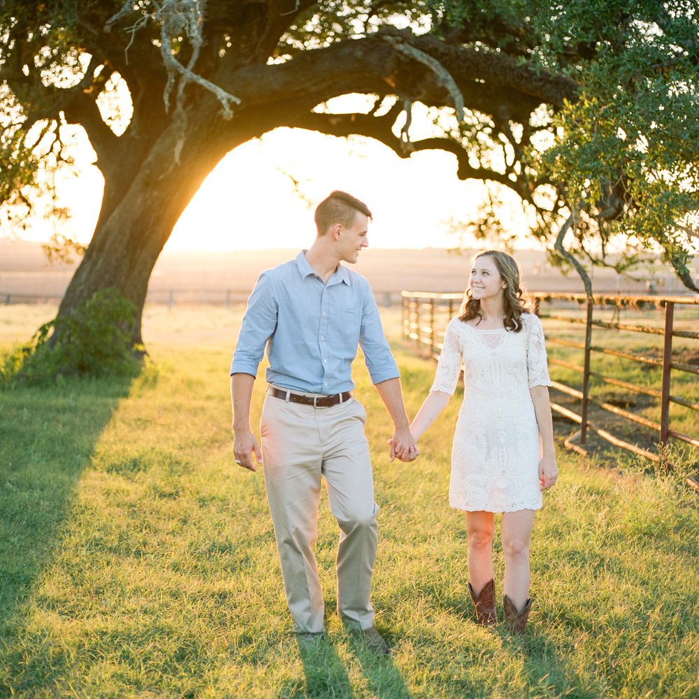 Moore_Ranch_on_the_Brazos_Engagement_Session-32.jpg