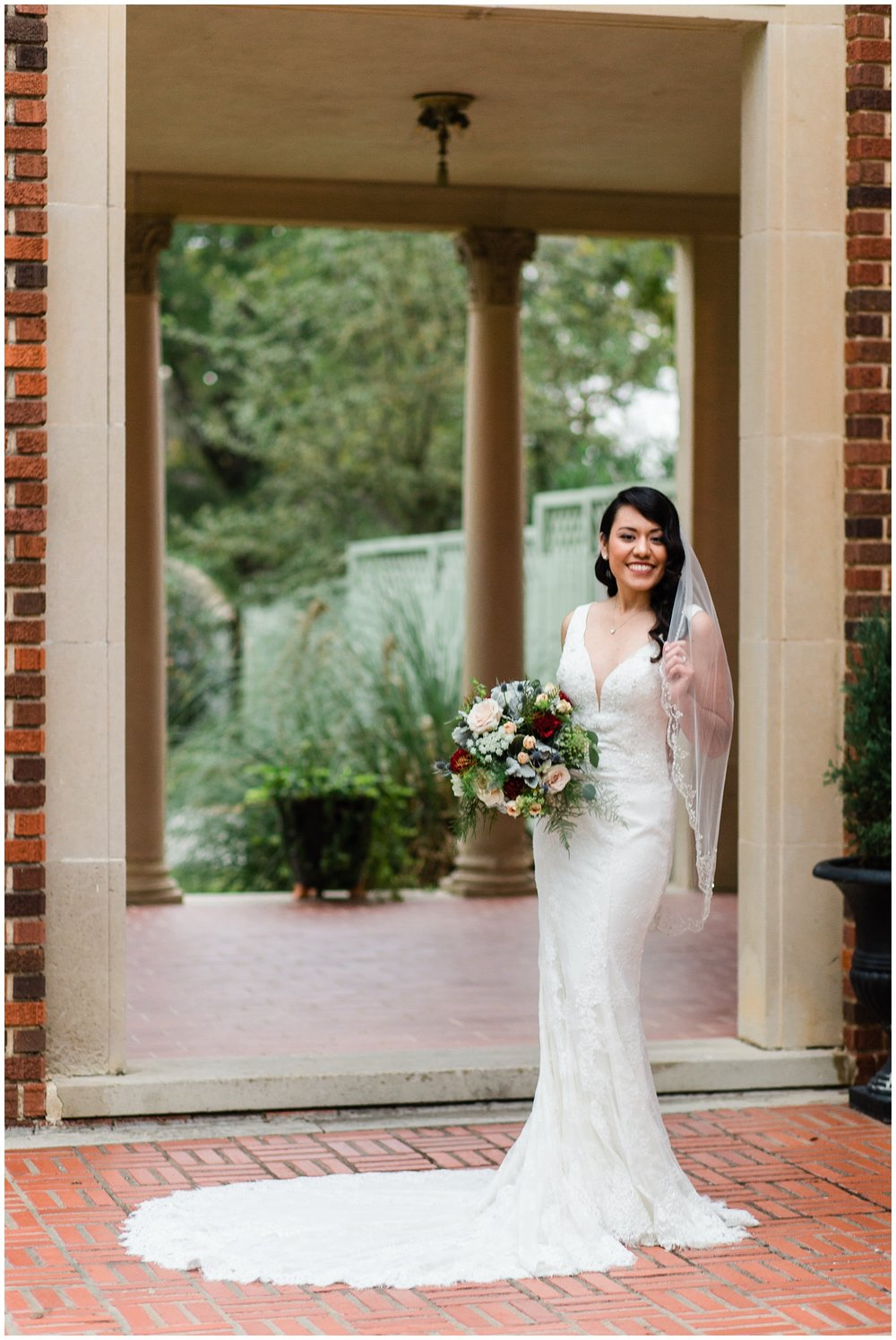 College_Station_Bridal_Session_Astin_Mansion_0001.jpg
