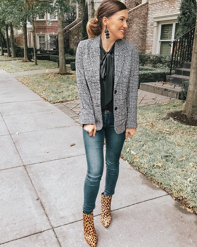 Work attire with @chadwicksofboston Cozy blazers that are classic and feminine are always a good idea. They have all sizes and so many different styles of blazers. #sponsored #chadwicksofboston #allsizessameprice #fallfashion #femininestyle #classicblazer #fridayvibes