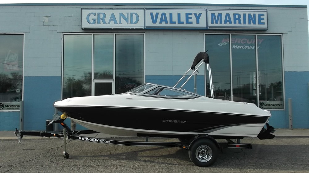 2016 Stingray 188LX Sport Boat / Mercruiser 4.3L MPI V6 180hp / Phoenix single axle trailer