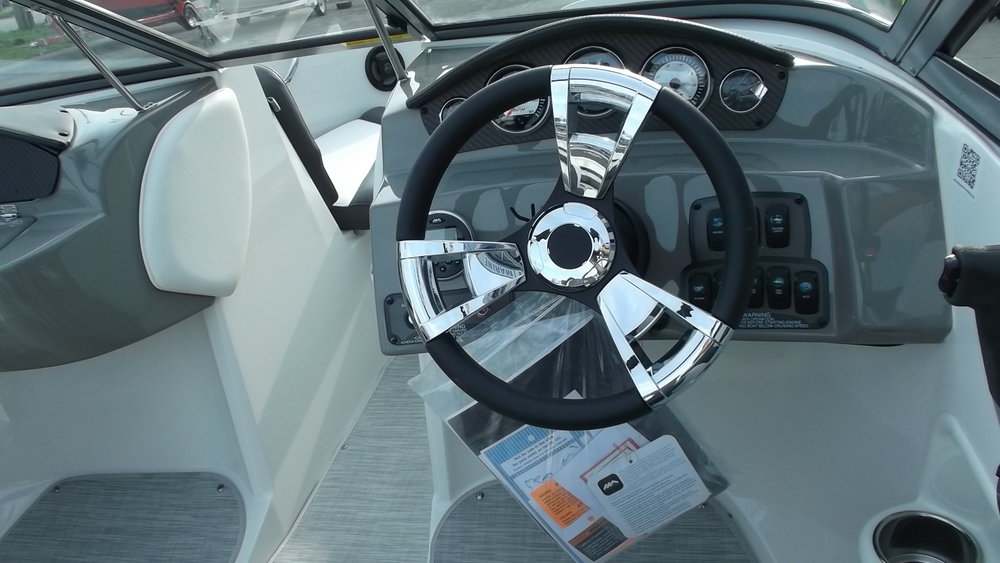 Chrome steering wheel w/tilt steering