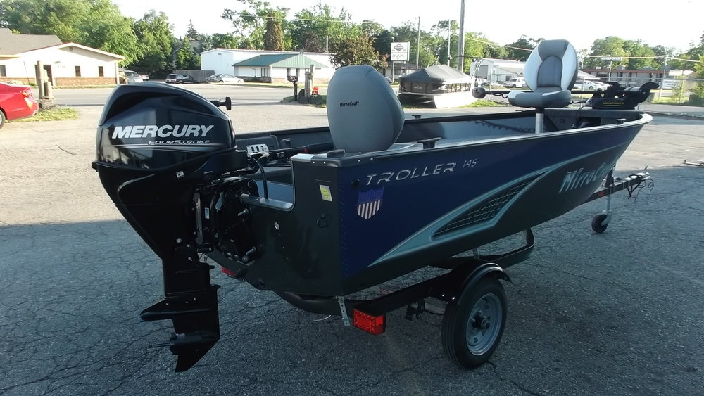Mercury 25hp 4 stroke EFI has plenty of power, speaking of power, it has power trim/tilt and electric start
