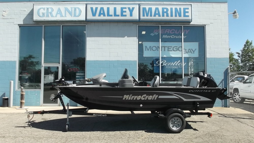 2016 MirroCraft 1677 Outfitter SC / Mercury 40hp 4 Stroke outboard / Karavan single axle trailer