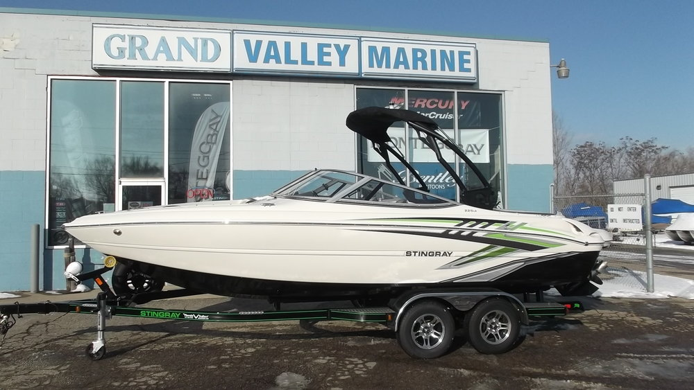 2018 Stingray 225LR Sport boat powered by a Mercruiser 4.5L 250hp V6 and Bravo III outdrive