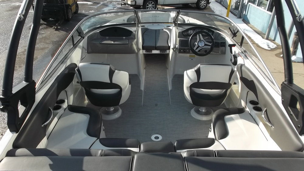 Dual bolster seats, u-shape aft seating, and filler cushions for the bow