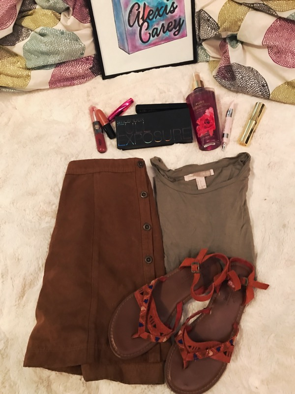 shirt /skirt( similar )/ shoes