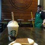 2 - 1 - DSC01697 smores frappuccino with cookies and smores tart with barista