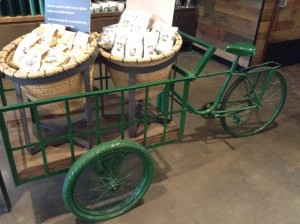 The first Starbucks in Vietnam, New World Saigon Hotel - Coffee in bike cart