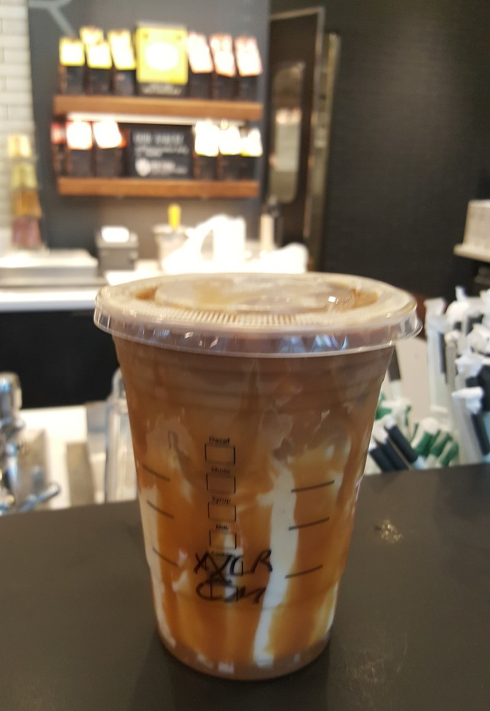 20160917_090329-1 the starbucks iced caramel macchito with extra drizzle