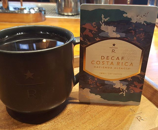 There's a new decaf in town. Decaf Costa Rica Hacienda Alsacia is available at the Roastery. Sparkling acidity marked by citrus and milk chocolate flavors. @starbucksreservecoffee @starbucksroastery #decaf #starbucksreserve
