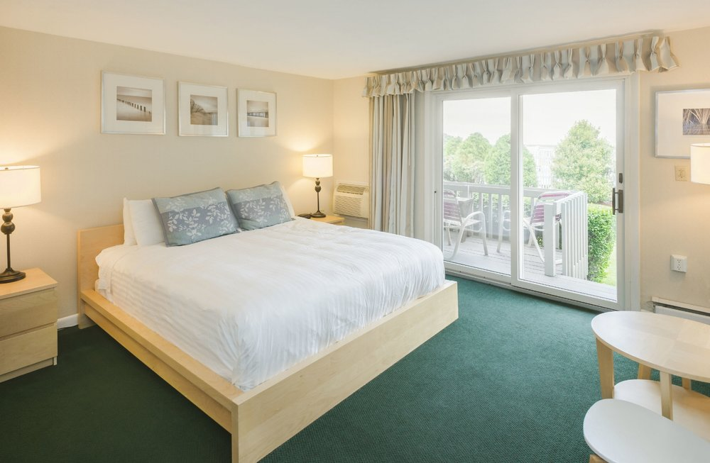 Room33- 1.jpg