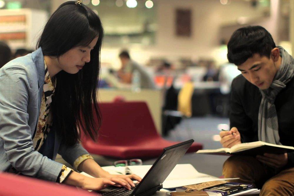 英语课 - 如果你的英文技能还需要提升,我们来帮忙!我们有完全免费的英文语言班!