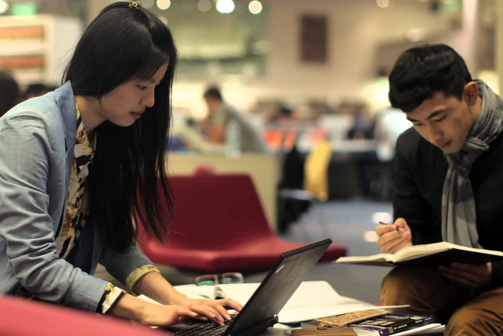 Clase ESL - Ofrecemos tutoría en inglés diseñada para que personas pueden desarrollar las habilidades que necesitan para tener éxito, completamente gratis.