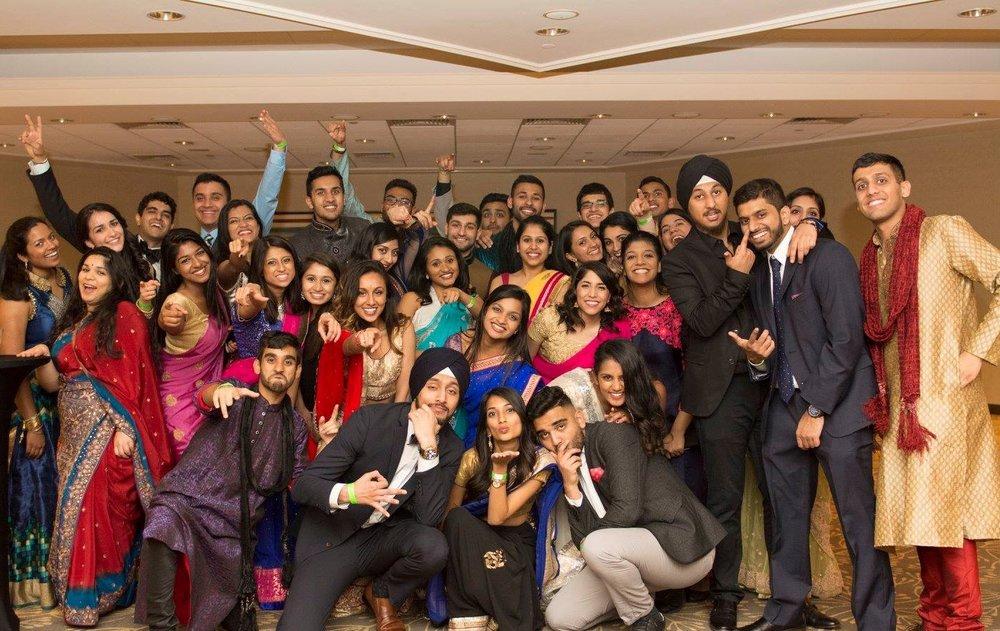Gruppo di membri della chiesa rock dopo la festa in india nuove località in tutto il mondo