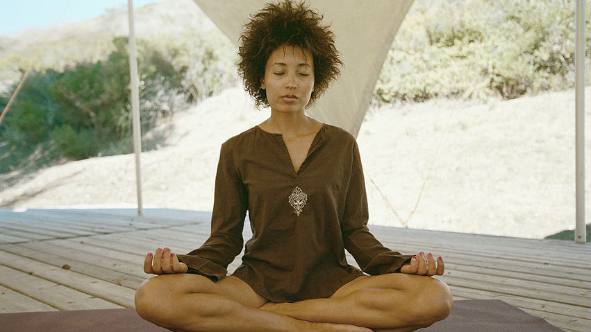 black-woman-yoga-16x9.jpg