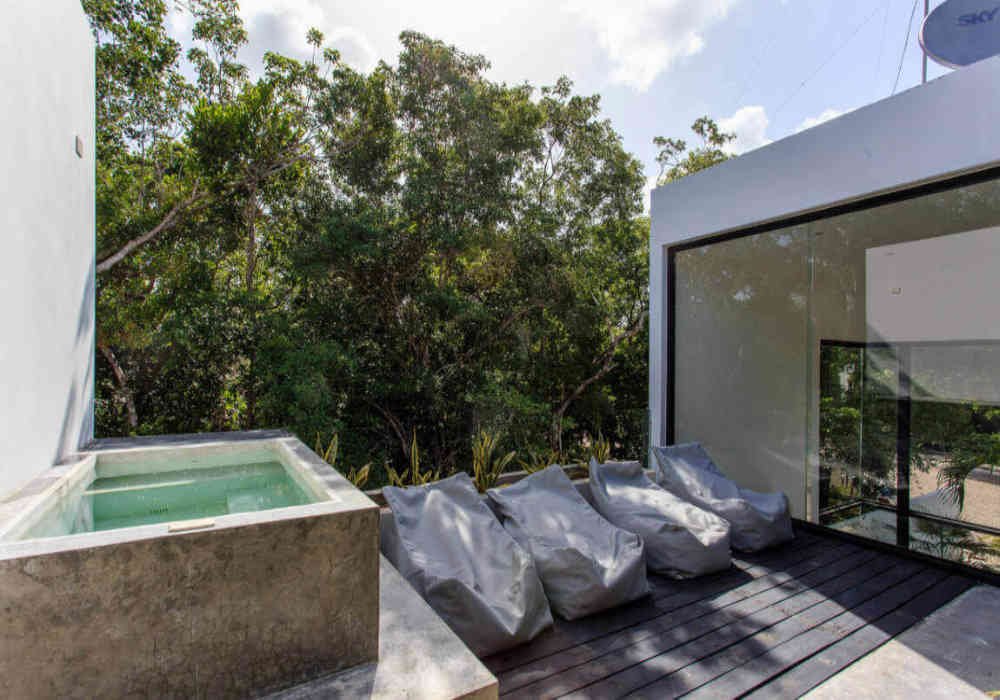 14_tulum_vacation_rentals_casa_crystal_lounge_area.jpg