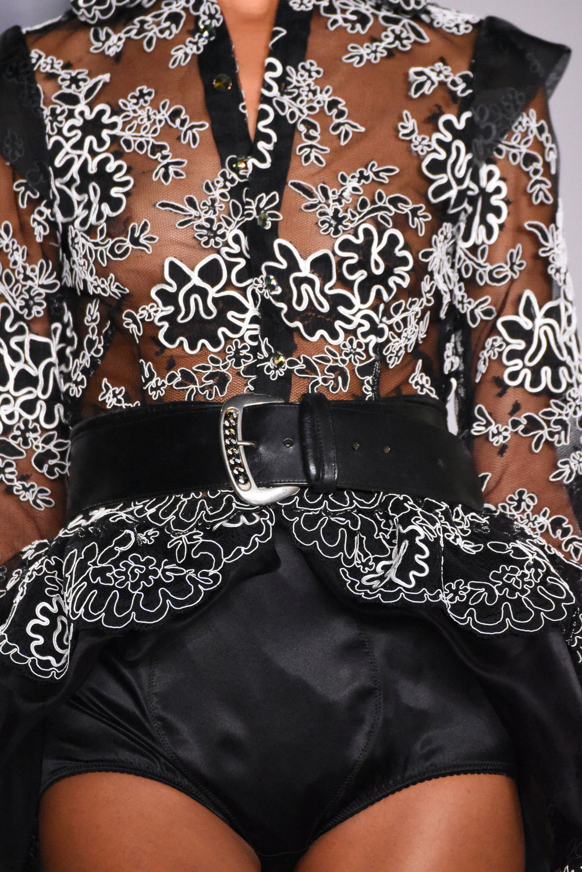 Nina Tiari SS18 Details 0012.jpg