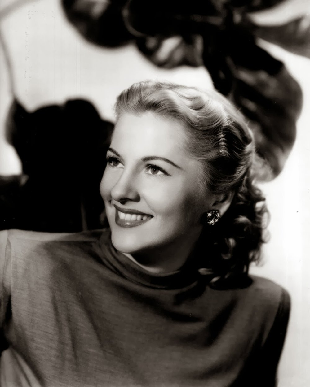 Joan Fontaine 1.jpg