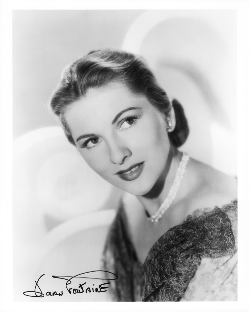 Joan Fontaine 3.jpg