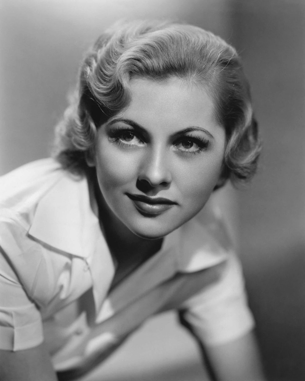 Joan Fontaine 10.jpg