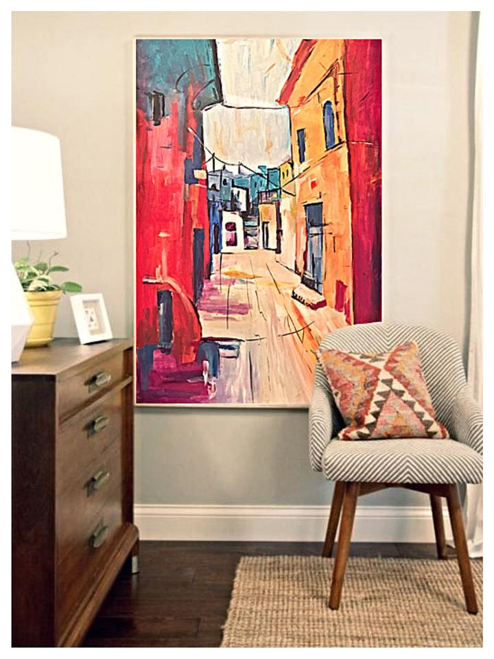 •Large artwork will make an impactful statement in a space, setting the tone, color palette and focal point for an entire room. If you don't want to put a lot of holes in the wall or gather a large art collection, a single bold piece can be just enough.•