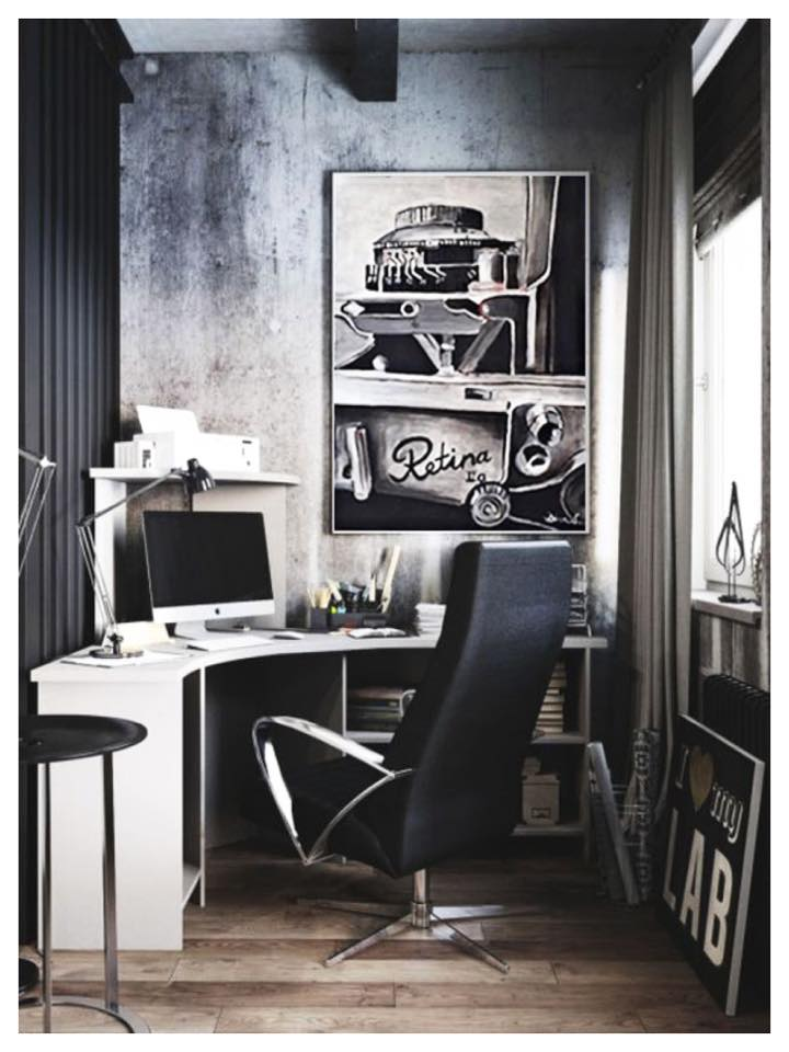 •Fan of black and white? Then why not have an artwork like this hanged in your monochromatic space? A black and white palette makes any room looks classic and sophisticated.•